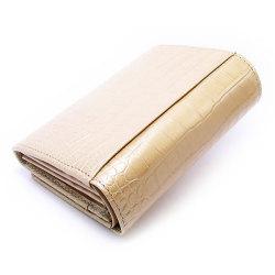 COCCO(コッコ) 二つ折り財布(小銭入れあり) 「ル・プレリー」 NP25110 シャンパンゴールド 裏面