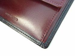 ボックスカーフ ヴェネチアンレザー  二つ折り財布(小銭入れあり)  「プレリーギンザ」 NP56118 クロ 特徴
